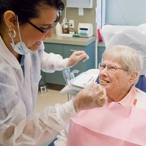 denture-implant-patient-denturist